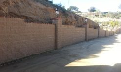 Block Retaining Wall With Brick