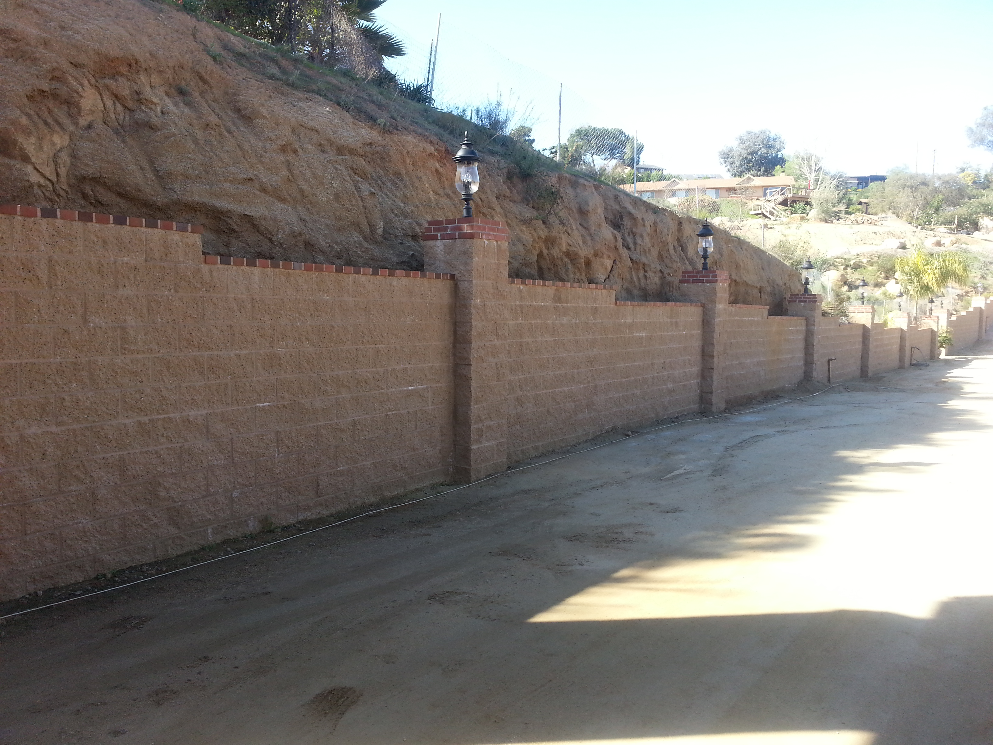 Block Retaining Wall With Brick